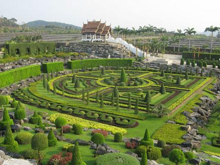 Nong Nooch Boatanical Gardens