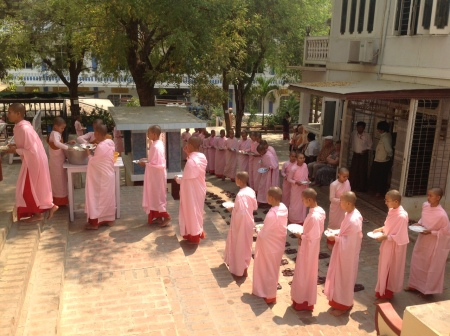 Lunchtime for the Nuns, Tha Kya Di Tar Nunnery, Sagaing