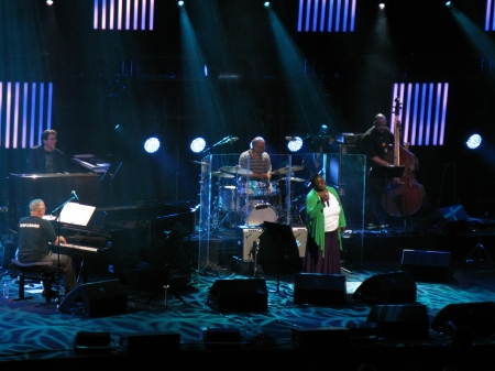 Flawless delivery from Randy Crawford with Joe Sample on the piano in 2012