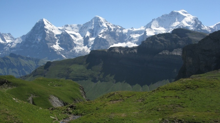 Magnificent views of the Eiger, Monch and Jungfrau high above the Soustal Valley but there was to be no easy descent!