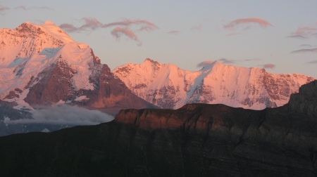 At least on this occasion tardy hikers were rewarded with beautiful Alpenglow colours!